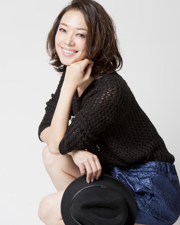 奥谷昌子(モデル佳衣)